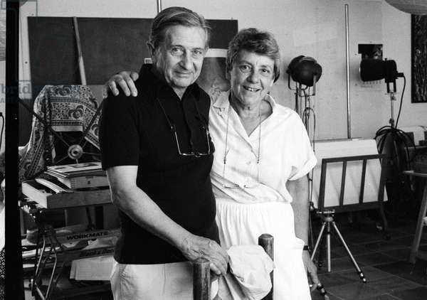 Portrait des photographes Claudine et Jean Pierre Sudre dans leur atelier en 1987.