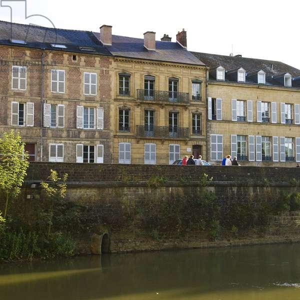"""Facade exterieure de la """"""""maison des ailleurs"""""""" (quai arthur rimbaud) ou vecut le poete arthur rimbaud a charleville mezieres (charleville-mezieres) ardennes"""