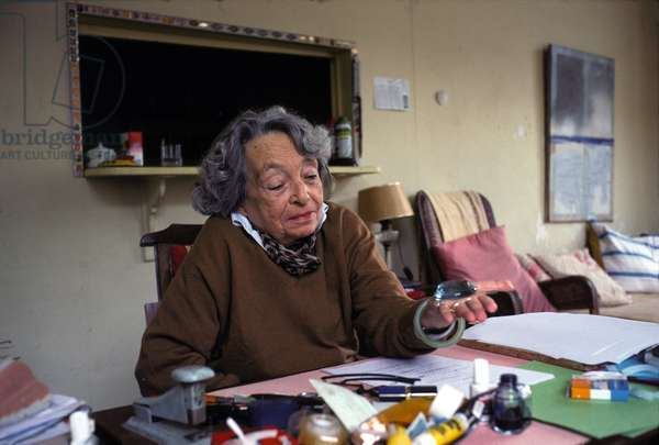 Portrait of Marguerite Duras (pen name of Marguerite Donnadieu) at her place, at the hotel Les Roches Noires 1990