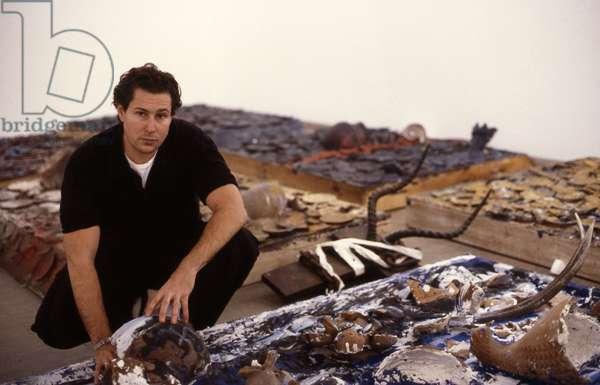 Portrait du cineaste et artiste Julian Schnabel en 1990