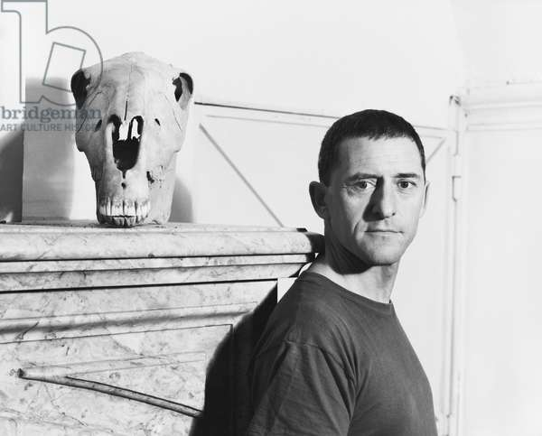Portrait du sculpteur Toni Grand (1935-2005), a Mouries, 1983