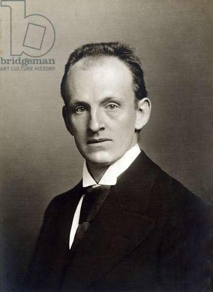 Gerhard HAUPTMANN