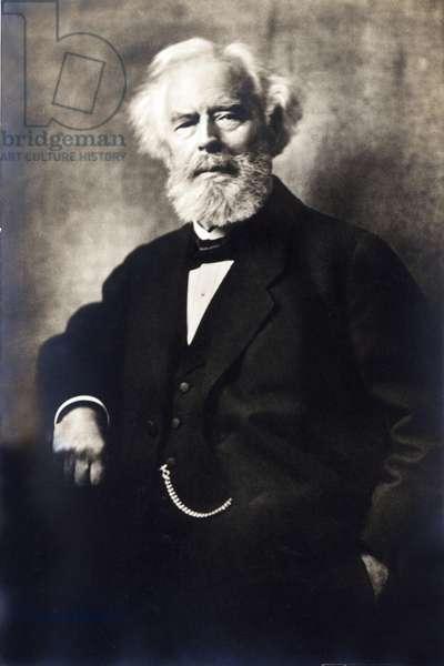 """Portrait de Maximilian Schmidt surnomme """"""""Waldschmidt"""""""" (1832-1919) ecrivain et humoriste allemand - photographie anonyme"""