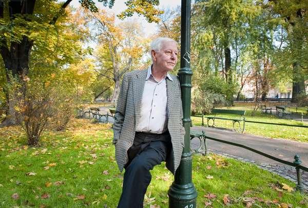 ENZENSBERGER Hans Magnus - Date: 20091100