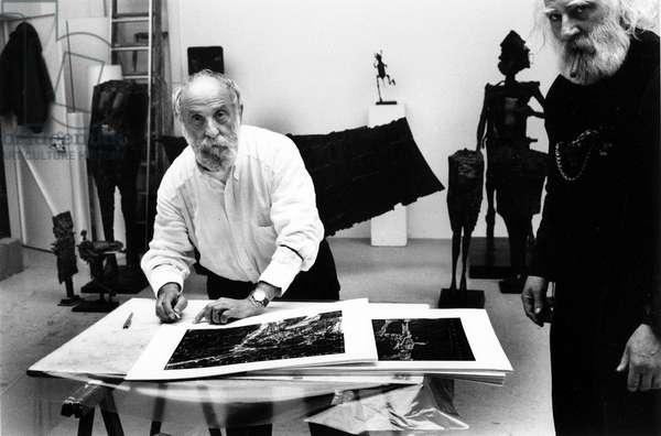 Portrait du sculpteur Cesar a Marseille en 1992.