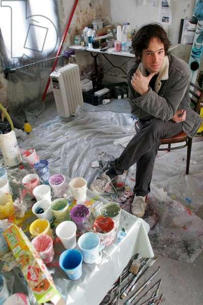 Portrait of Jason Glasser (artist, musician) at his studio 05/12/2007