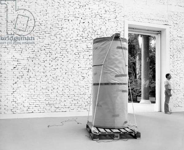 Exposition des sculptures de Toni Grand (1935-2005) a Venise, 1982