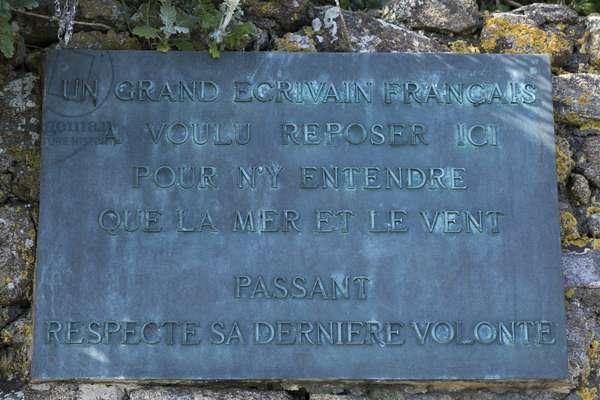 Chateaubriand's tomb  - Tombeau de Chateaubriand (Francois-Rene de Chateaubriand) a  Saint-Malo (Saint Malo)