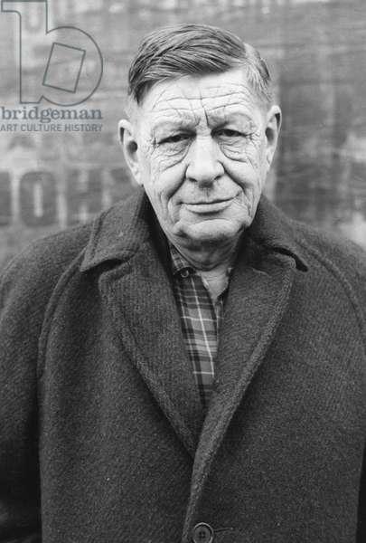 Wystan Hugh (WH or W H) AUDEN (1907-1973) - Date: 00000000