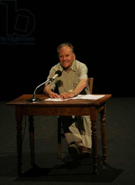 JEAN LOUIS TRINTIGNANT LIT APOLLINAIRE(AVIGNON 2005)