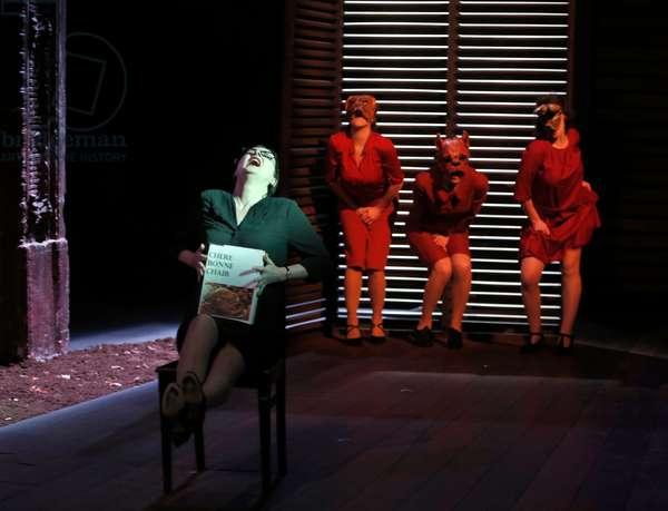 LA MAISON DE BERNARDA ALBA (Carole LORANG) 2014