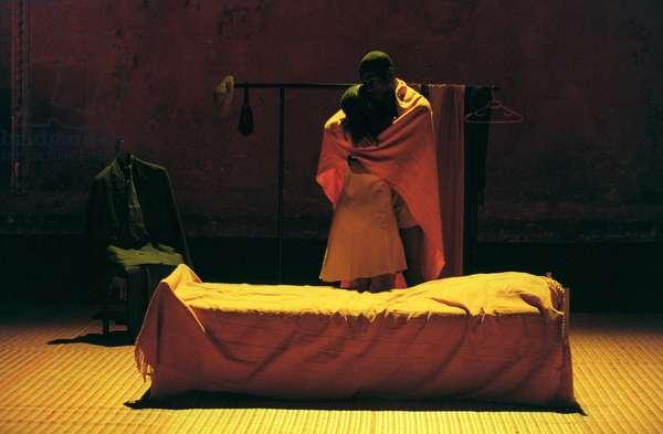 LE COSTUME (Peter Brook) 1999