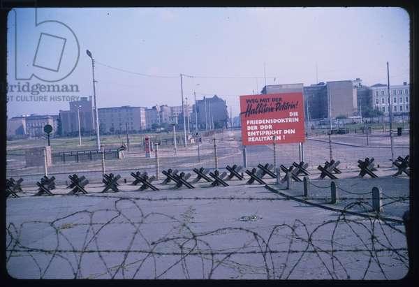 MUR DE BERLIN 1966