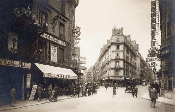 Rue Fontaine et rue de Douai, Montmartre, Paris, 1930 (b/w photo)
