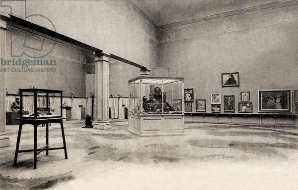 Salle Toulouse Lautrec - Renoir, Salon d'Automne, Grand Palais, Paris, 23 August 1905 (b/w photo)