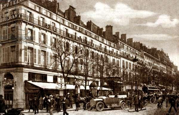 Hotel Brebant and Hotel Beausejour, 32 and 30 Boulevard Poissonnière, Montmartre, Paris, 1913 (b/w photo)