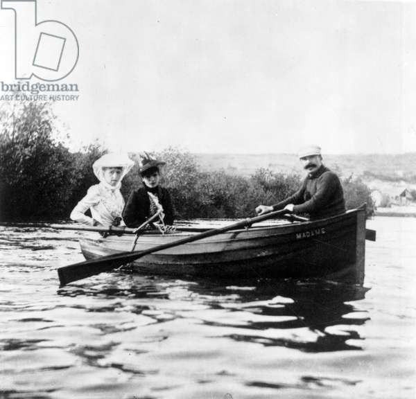 Guy de Maupassant in a boat with Genevieve Straus and Colette Dumas Lippman, c.1889 (b/w photo)