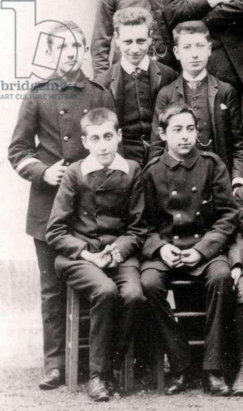 Marcel Proust en 1887 au Lycee Condorcet a Paris (en bas a gauche)