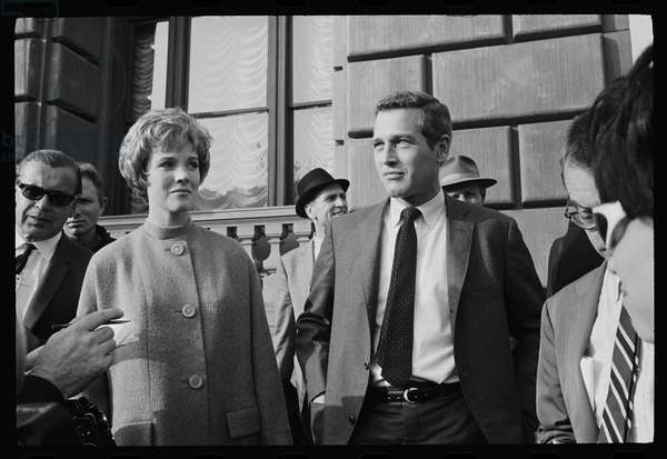 Julie Andrews and Paul Newman on the set of 'Torn Curtain', 1966 (b/w photo)