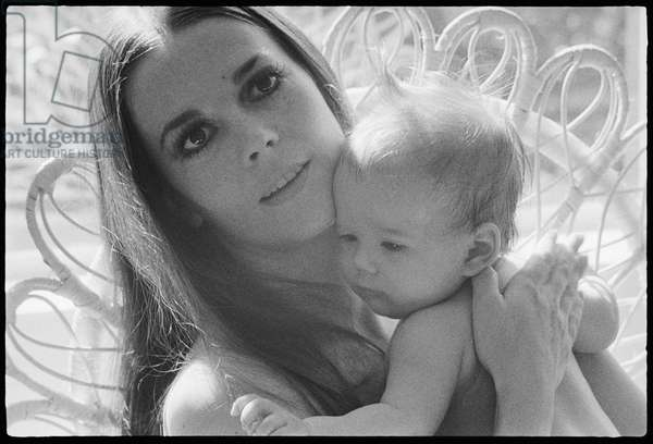 Natalie Wood with daughter, 1970 (b/w photo)