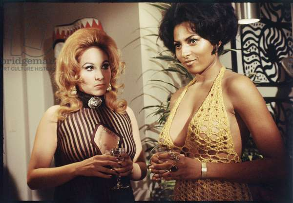 Pam Grier as a background extra on set of 'Beyond the Valley of the Dolls,' 1970 (photo)
