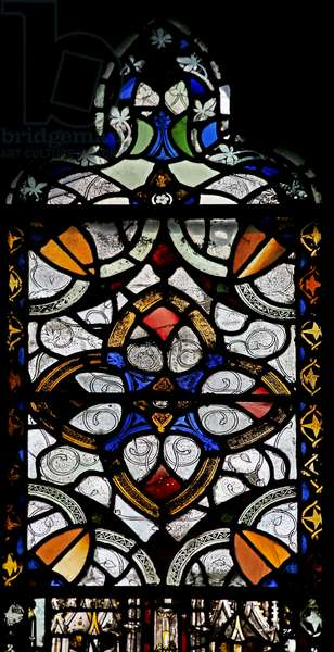 Window n4 depicting grisaille & geometric pattern (stained glass)