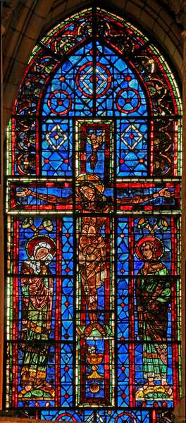 Window 100 depicting the Crucifixion with the Virgin Mary and St John (stained glass)