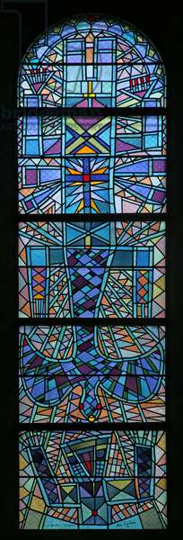 Central window with the Dove descending and a Man with Arms uplifted (stained glass)