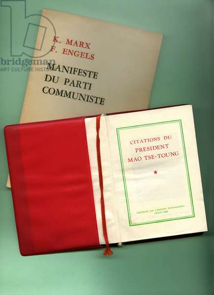 Communist Party manifesto by Karl Marx and Friedrich Engels, with Little Red Book of quotes by President Mao Tse Toung, 2 books of editions in foreign languages, Pekin, People's Republic of China 1966.