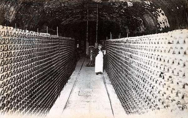 Cellar of the Maison des Champagnes Veuve Clicquot, Reims (photo, 20th century)