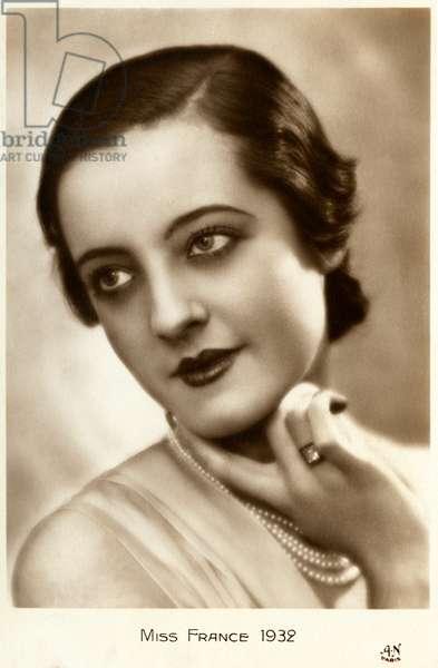 Miss France 1932 (postcard)