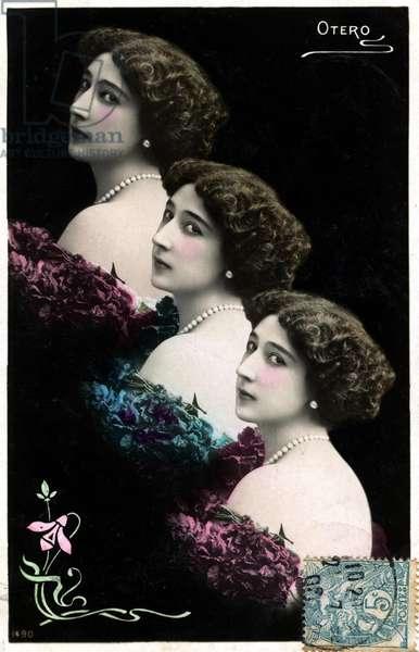 La Belle Otero, triple portrait in bust by Reutlinger - postcard early 20th century