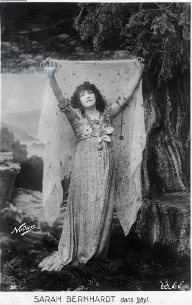 Henriette Rosine Bernard called Sarah Bernhardt (1844-1923) as Izëyl - postcard, photo by Paul Nadar