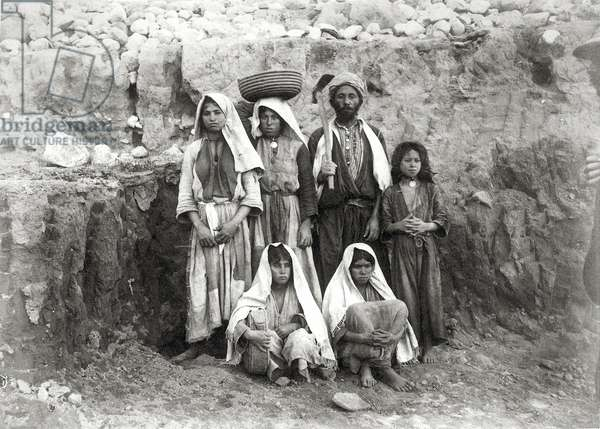 Group of workpeople in the excavation, Coastal Plain, Palestine, 1891-93 (b/w photo)