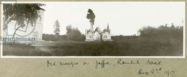 Old mosque on Ramleh Road, Jaffa, 2nd December 1917 (b/w photo)