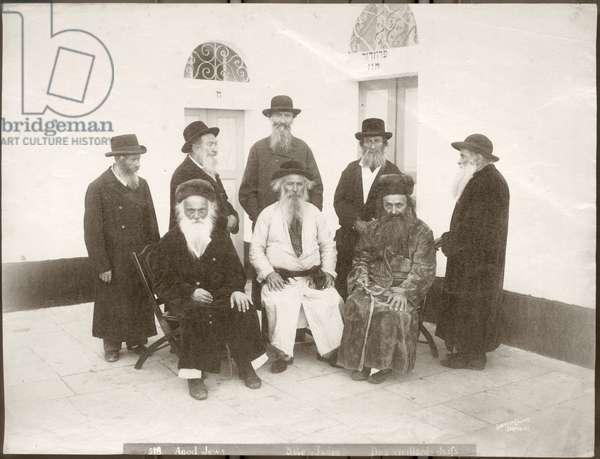 Elderly European Jews, c.1898-1911 (b/w photo)