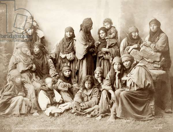 Group of 17 Bedouin women and children, c.1867-98 (b/w photo)