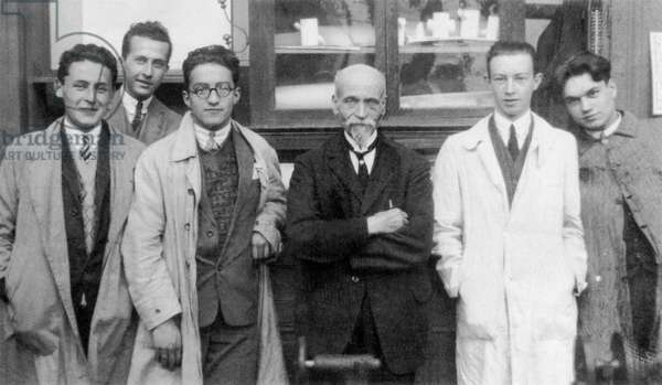 Paul-Emile Victor and his Chemistry group, at the École centrale de Lyon, Lyon, Rhône, France, 1926 (b/w photo)