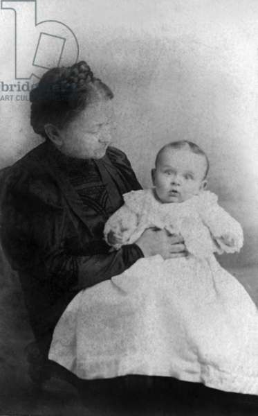 Paul-Emile Victor (1907-1995) french explorer here as a baby 8 months in arms of his grand mother, 1908 (b/w photo)