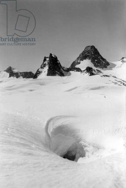 Raid in Mont Forel, Greenland, Scylla area, photo taken by Paul Emile Victor, June, 1937 (b/w photo)