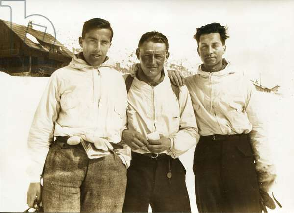 Training in the Alps, in anticipation of TransGreenland. From g to d: Michel Perez, Paul-Emile Victor, Robert Gessain, Montgenèvre, France, February 1936 (b/w photo)