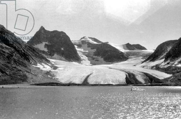 Kangerdlugssuatsiak, in August, 1936 during polar expedition in, 1936-1937 (b/w photo)