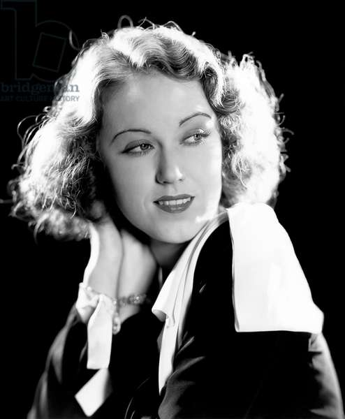 Canada / USA: Vina Fay Wray (September 15, 1907-August 8, 2004) was a Canadian/American actress most noted for playing the female lead in the movie 'King Kong' (1933).