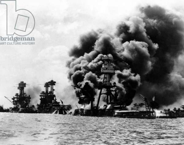 USA / Japan: The USS Tennessee and USS West Virginia (left) and the wreck of the USS Arizona, after the Japanese attack on Pearl Harbour, December 7, 1941