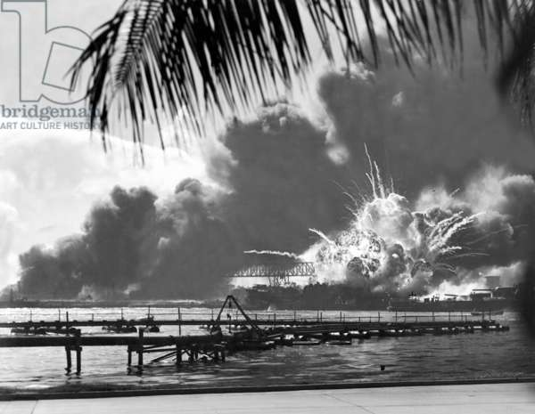 USA / Japan: The USS Shaw exploding during the Japanese attack on Pearl Harbour, December 7, 1941