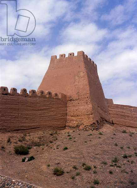 China: Outer wall tower next to the front gate, Jiayuguan Fort, Jiayuguan, Gansu