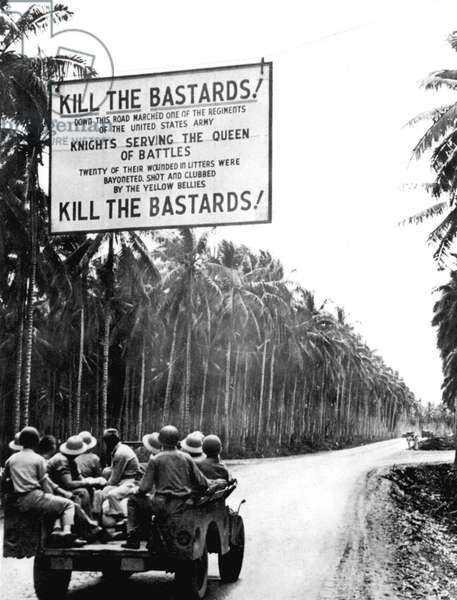USA / Solomon Islands: 'Kill the Bastards', sign on a road at Guadalcanal, Guadalcanal Campaign, 1943 (photo)