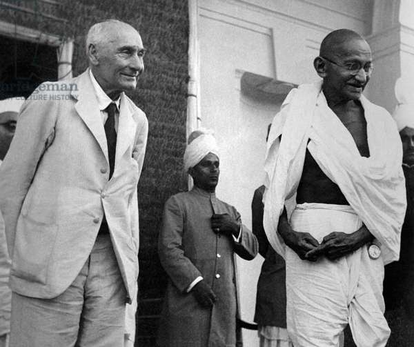India: Mohandas Karamchand Gandhi (1869-1948), pre-eminent political and ideological leader of India's independence movement, with Frederick, 1st Baron Pethick-Lawrence, British Secretary of State for India, 18 April 1946
