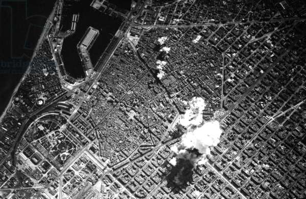 Spain / Italy: Italian bombs falling on Barcelona during the Spanish Civil War (1936-1939), March 1938
