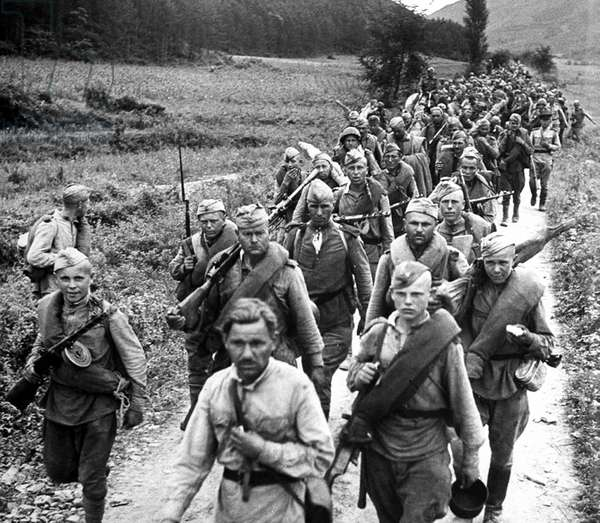 Korea - Russia: Soviet soldiers on the march in northern Korea after the USSR entered the war against Japan, World War II, October 1945